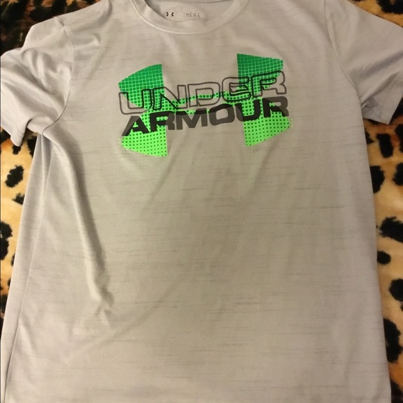 57 Off Under Armour Other Under Armour Heat Gear Boys T